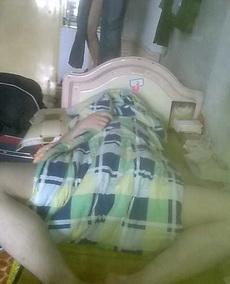看看这个奇葩的睡姿