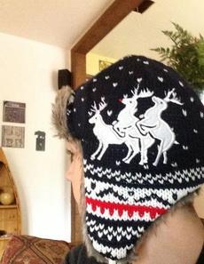 帽子上的三只鹿太没有节操了