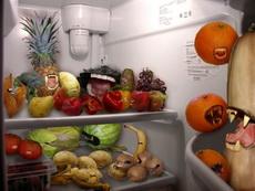 冰箱里有水果僵尸