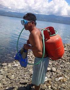 自制潜水器,真是酷炫狂拽屌炸天