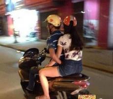 骚年,请专心骑车!