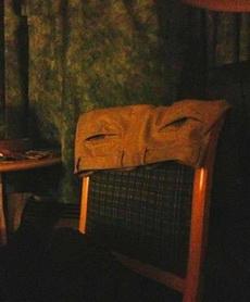 疲惫不堪的椅子