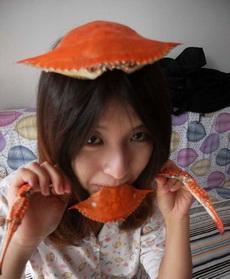 妹子,你是要变成螃蟹了么