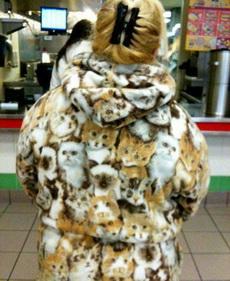 姑娘,你这外套看得我眼晕