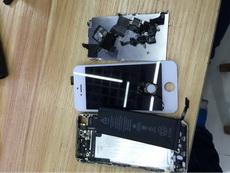 没事手贱把手机拆了,结果坑爹了装不回去了