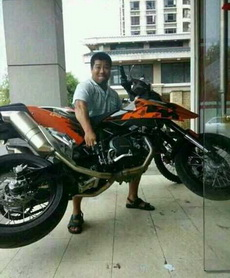 摩托车有锁就偷不走了么!