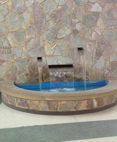 悲催的小喷泉