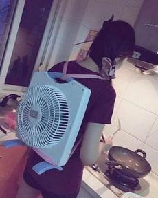 夏天在厨房做饭