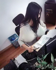 新招來的秘書就是不一般