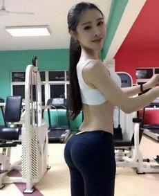 爱健身的女孩最美了