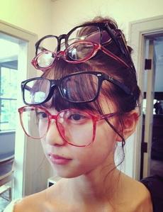 根据不同远近变换眼镜