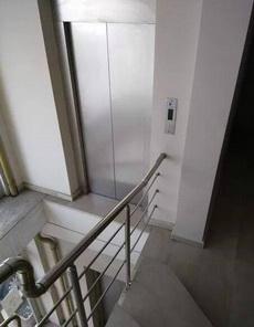 这是为了不让二楼用电梯吗?