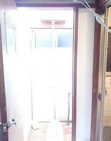 厕所自从装了摄影专用500W照明灯泡,每次进去都感觉进入另一个世界