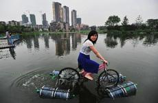 首见水陆两用自行车