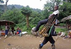 非洲的有钱人都是坐这个