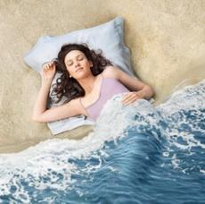 duerme con la playa y las olas