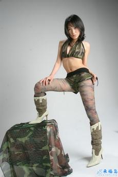 女兵的性感新军装