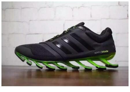 下次校運會穿這鞋會不會被判違規