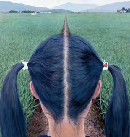发型都和环境融入一体了