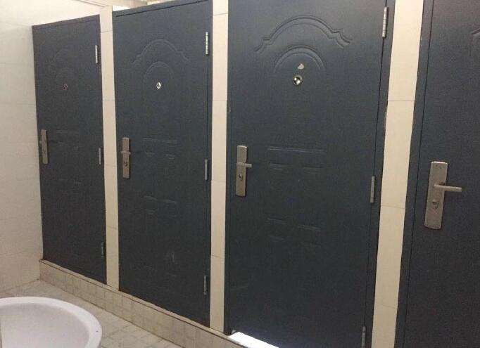 这只是个厕所啊