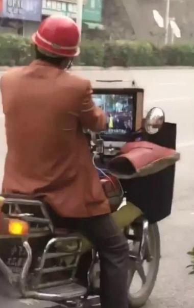 這是我見過最豪華配置的摩托車